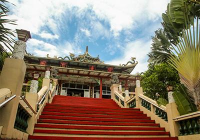 フィリピン セブ寺院への99段の階段