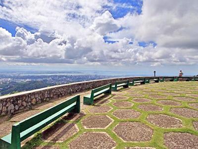 フィリピン セブ島の有名観光地:昼間のトップス